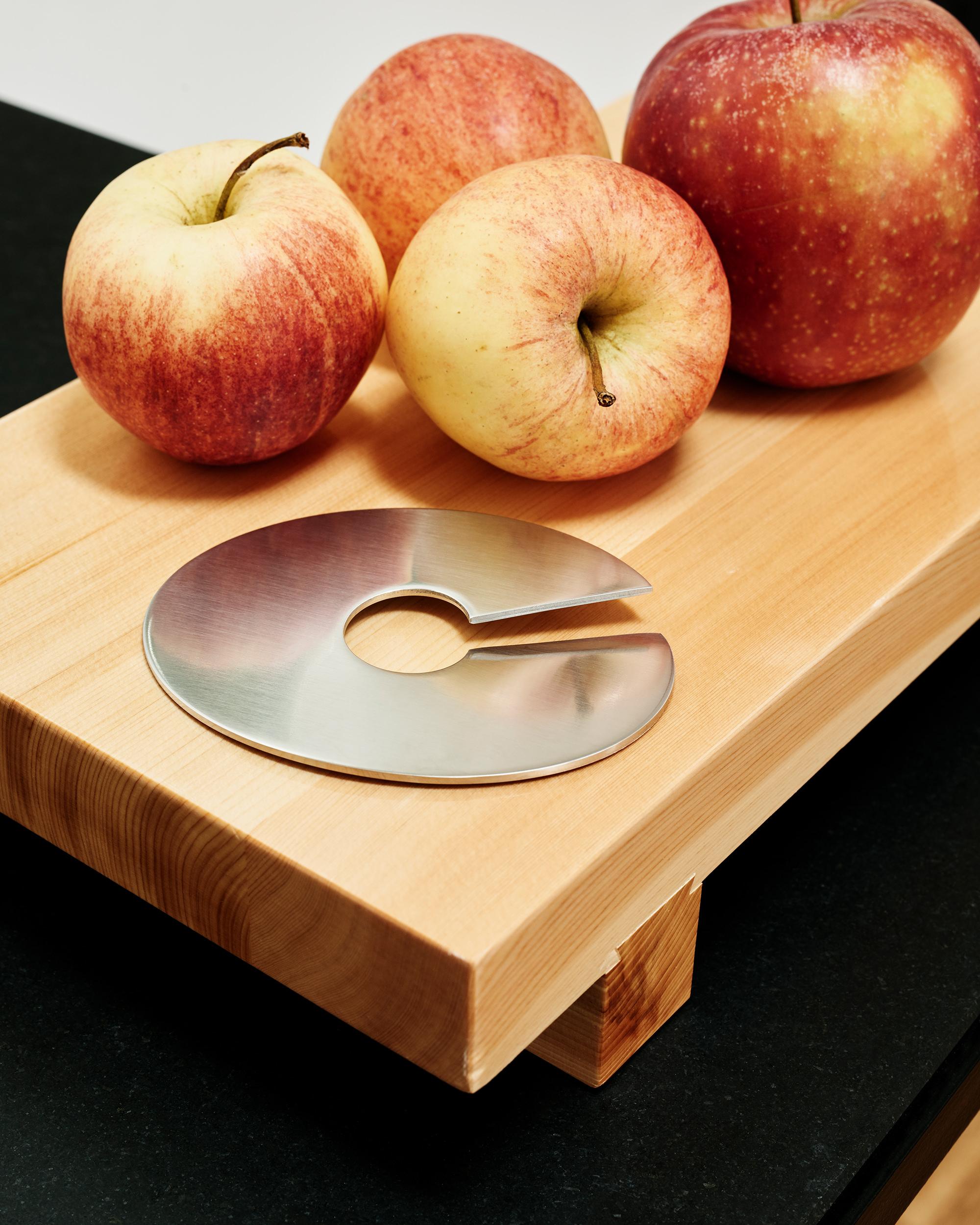 Mono Giro Apfelschneider Apple slicer Credits Fabian Frinzel