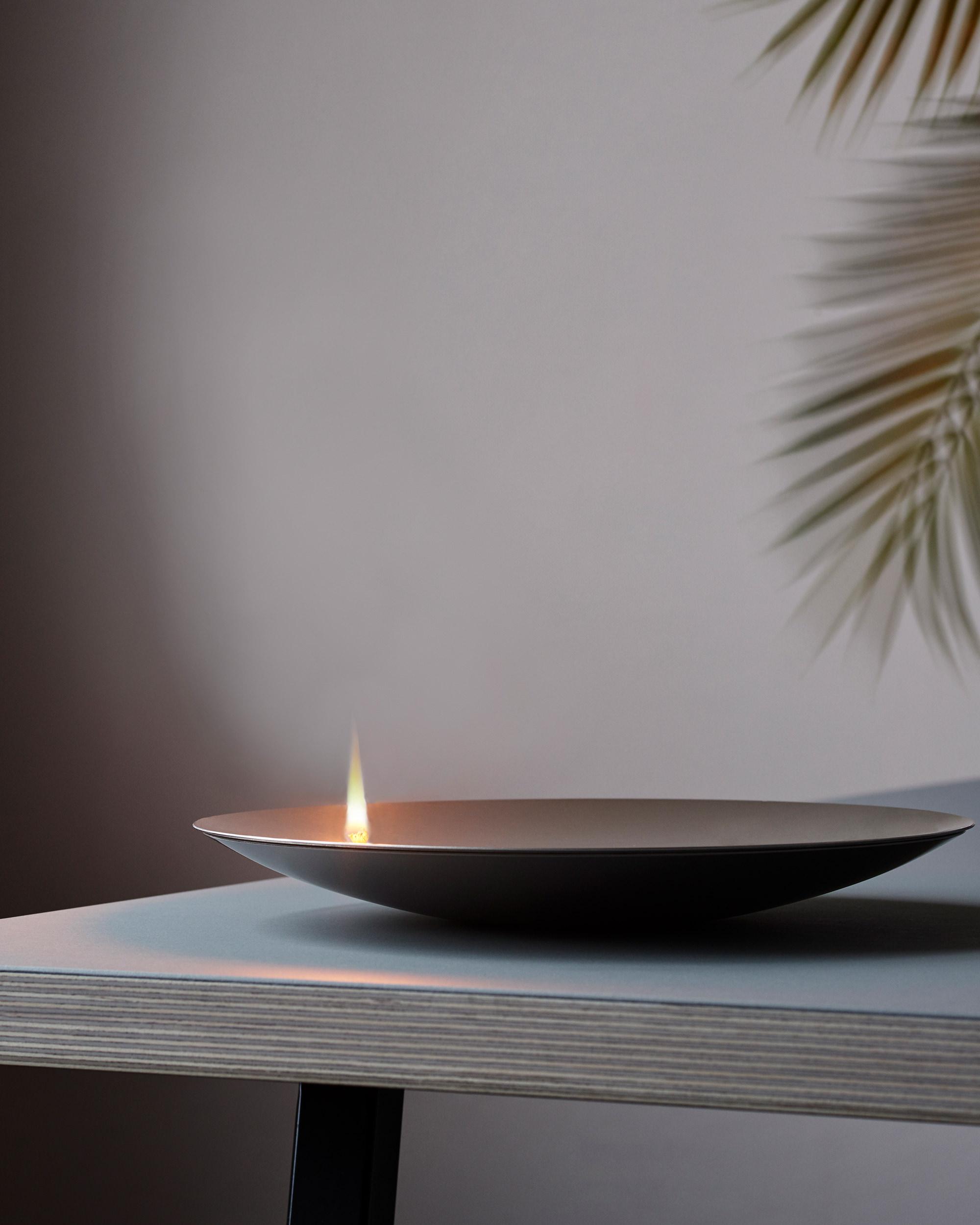 Mono Concave Flammschale Oil lamp Credits Fabian Frinzel