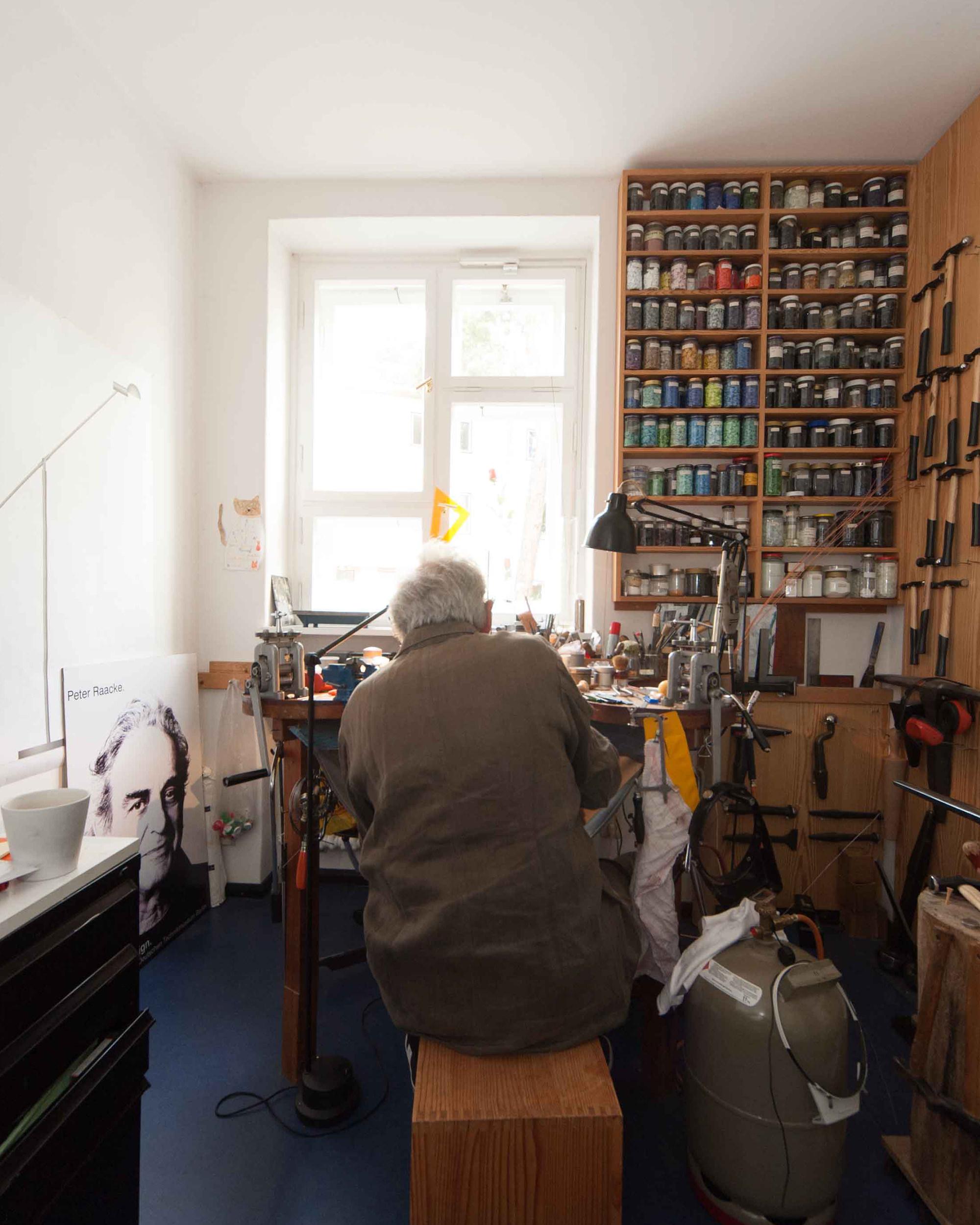 Peter Raacke Mono Designer Credits Wolfram Heidenreich 03